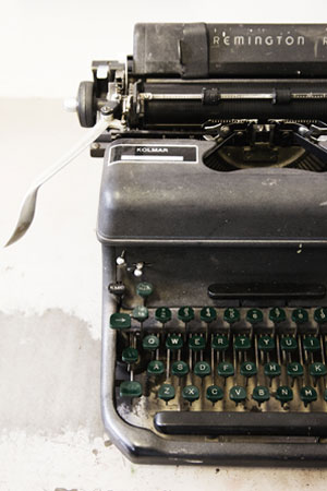 Dated image of typewriter